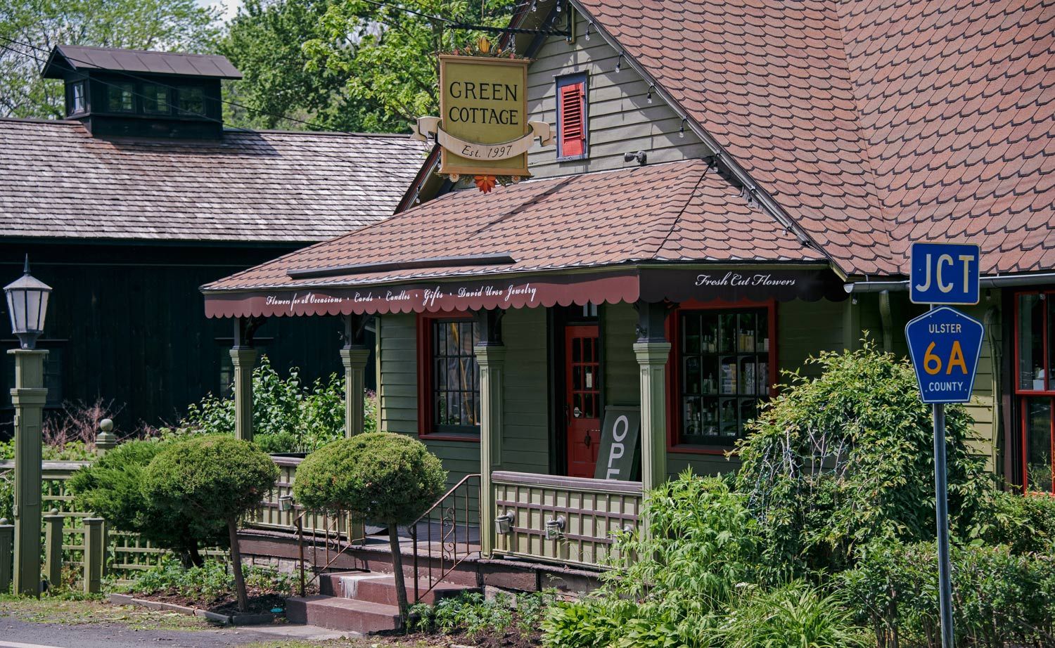 Green cottage store in High falls